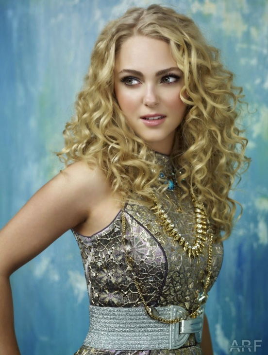 annasophia-robb-the-carrie-diaries-promo_1